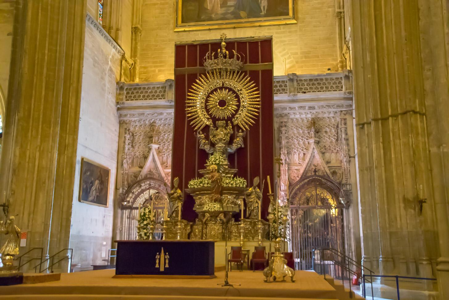 hoofdaltaar van de Kathedraal van Sevilla