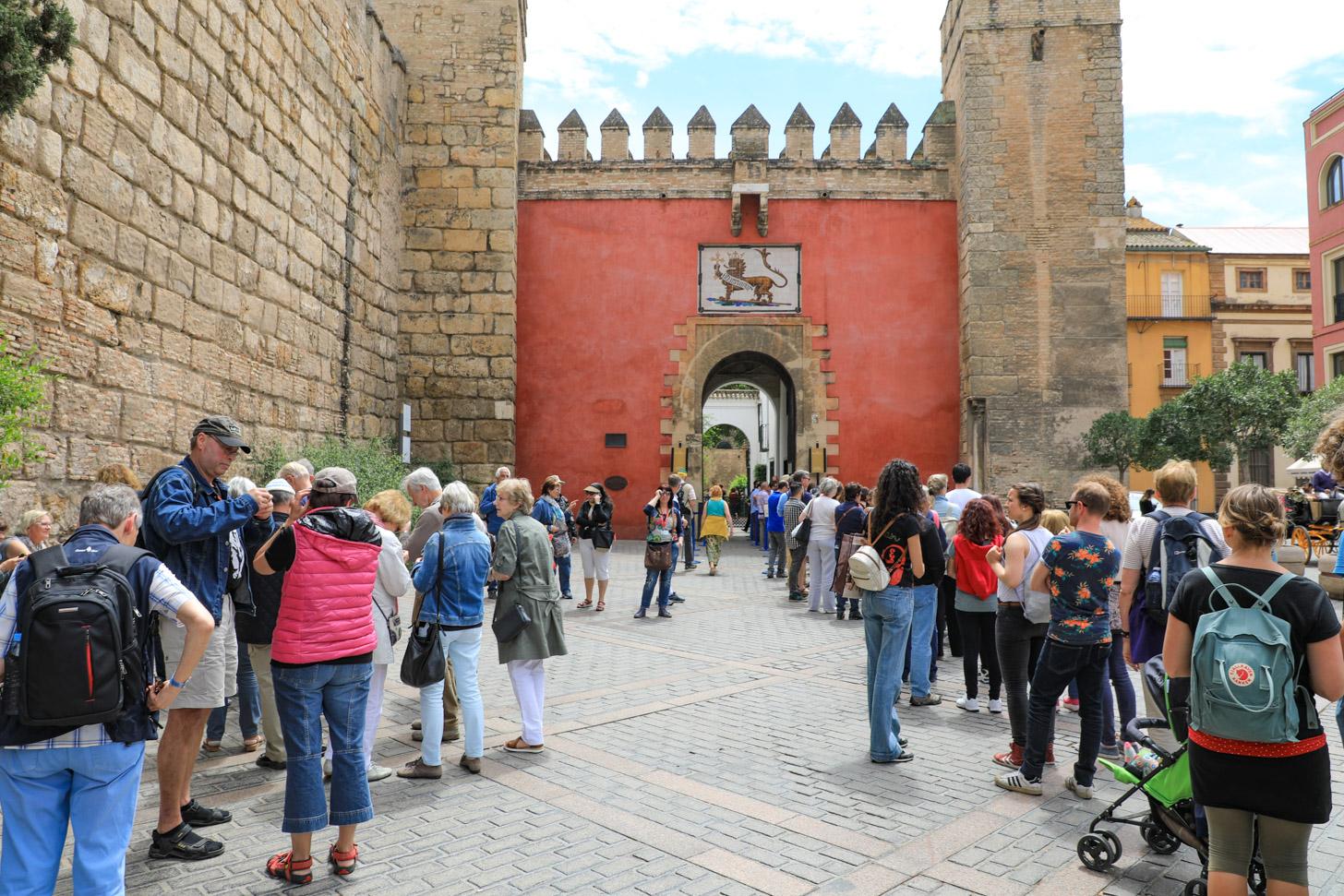 wachtrij voor het Real Alcázar